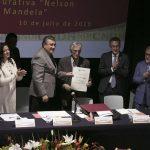 imagen de la Entrega Ombudsperson nacional la medalla Nelson Mandela 2019
