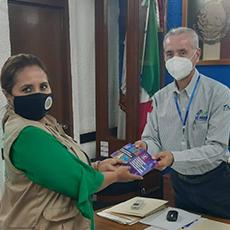 Personal de la Comisión de Derechos Humanos del Estado de Tamaulipas realizó una entrega de cuadernillos al Secretario del Ayuntamiento de Mante